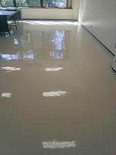 事務所 床洗浄ワックス 広島市東区